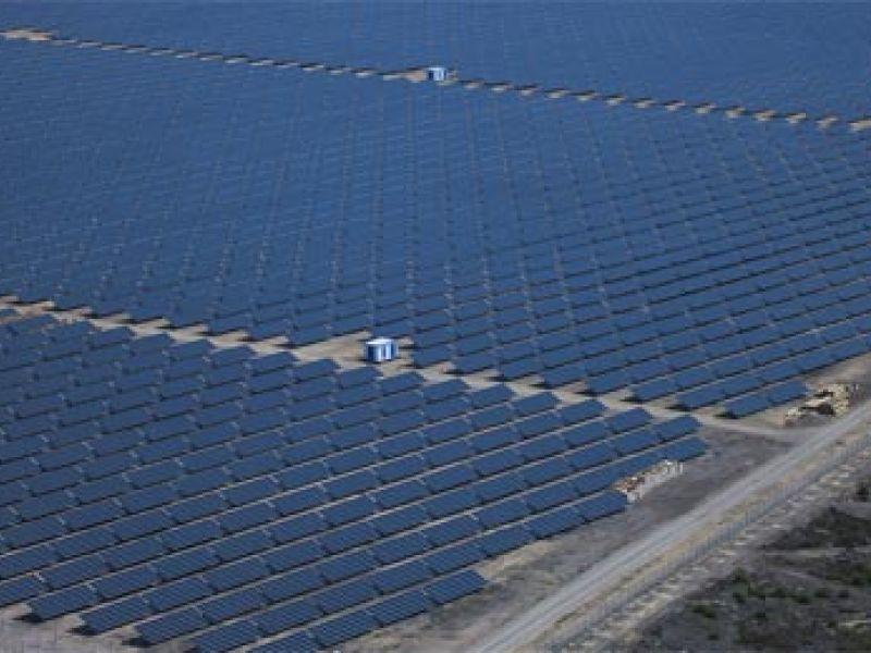 Segundo maior campo solar do mundo quase pronto