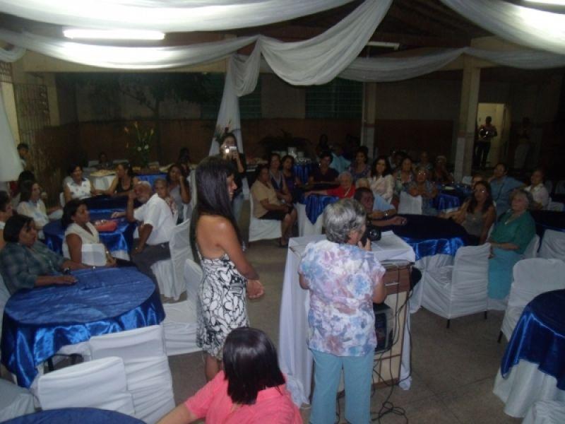 Escola Estadual Gabino Besouro reúne ex-professores e ex-alunos