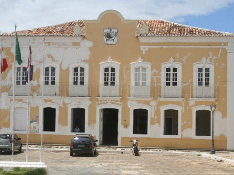 Prefeitura de Penedo deve afastar 200 servidores