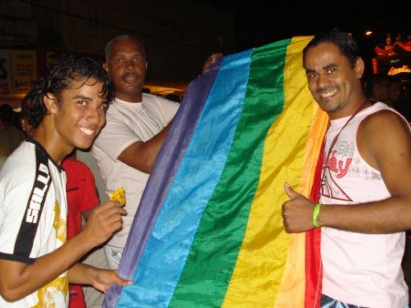 Irreverência marca a IV Parada Gay de Penedo