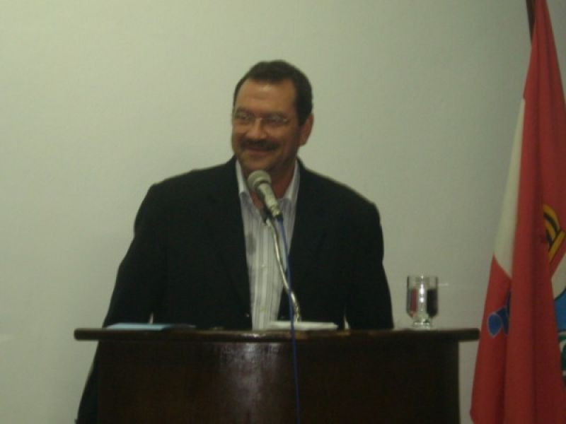 Vereador Francisco Hollanda apresenta propostas na Câmara de Penedo