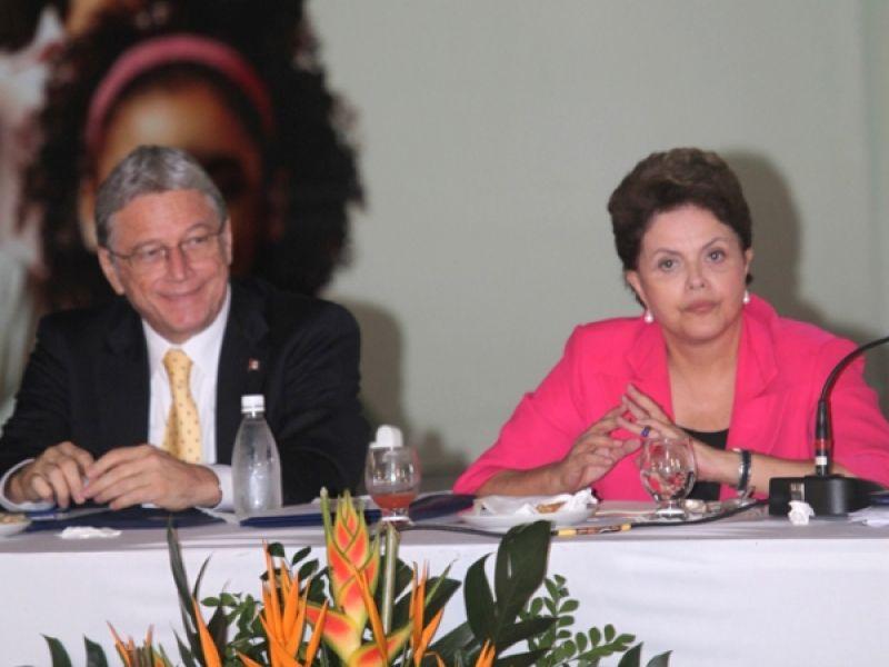 Governador fica satisfeito com presença de Dilma em Alagoas