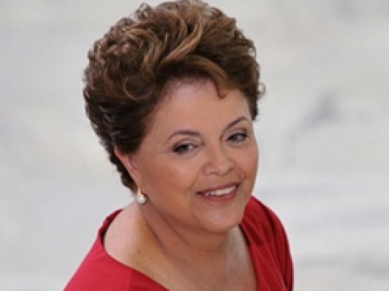 Rede Cegonha vai funcionar como corrente de cuidados especiais, diz Dilma