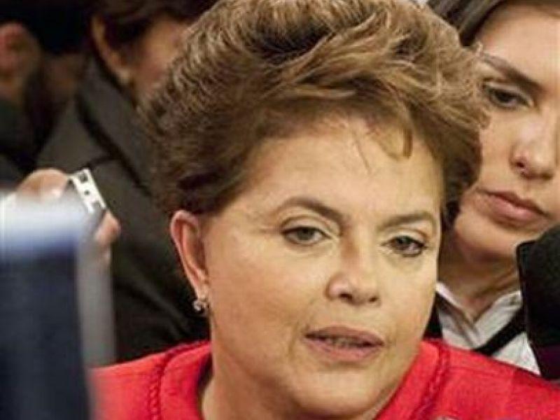 Dilma diz que catador será cidadão e garante políticas de financiamento