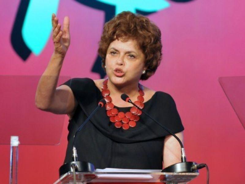 Dilma passa Serra em pesquisa de intenção de votos