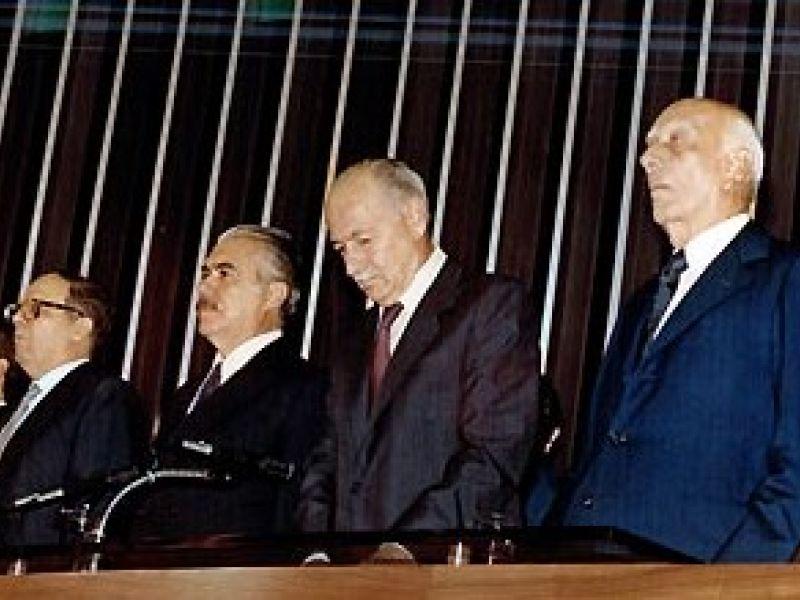 Redemocratização do Brasil completa 25 anos