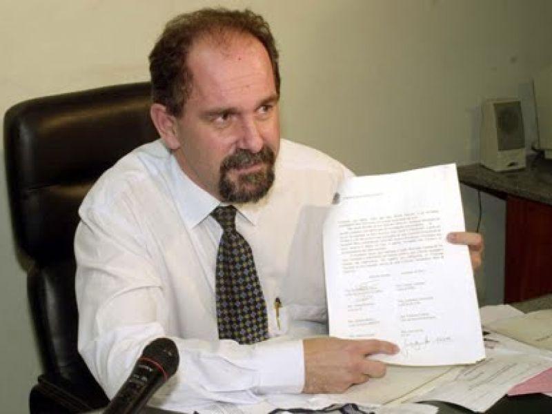 PT vai à Justiça contra atitudes criminosas de Veja, Estadão e Blat