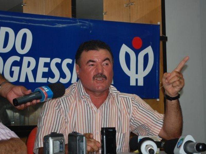 Cícero Almeida confirma que não é candidato ao governo e apoia Lessa