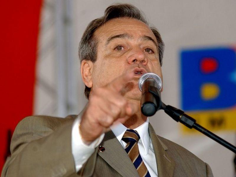 Áudio: Ex-Governador Ronaldo Lessa é entrevistado na Penedo FM