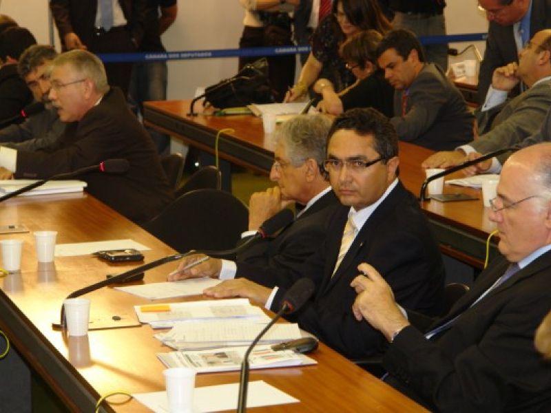 Francisco Tenório defende  criação de Piso Nacional para polícias