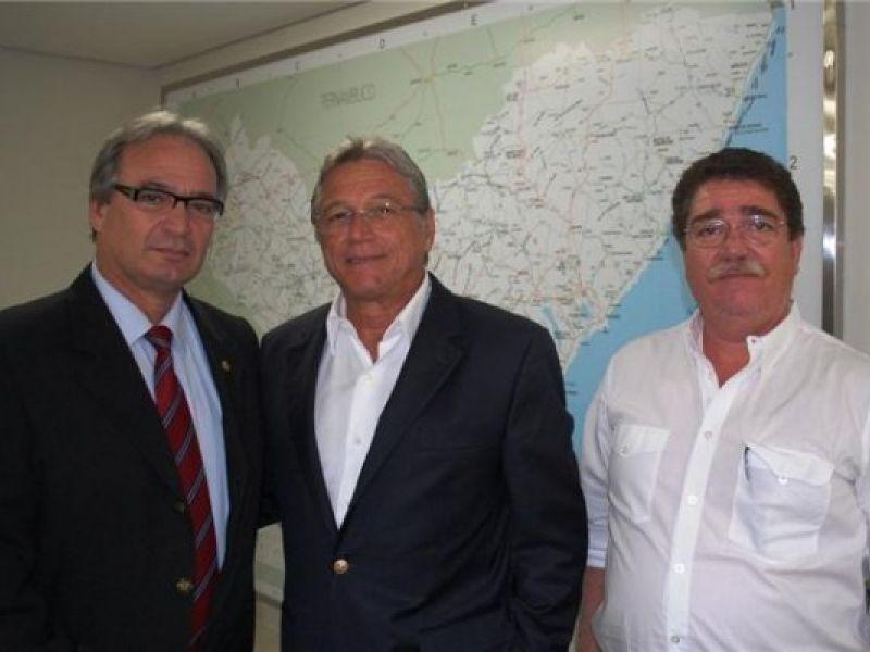 Deputado Álvaro Guimarães é recebido pelo Governador