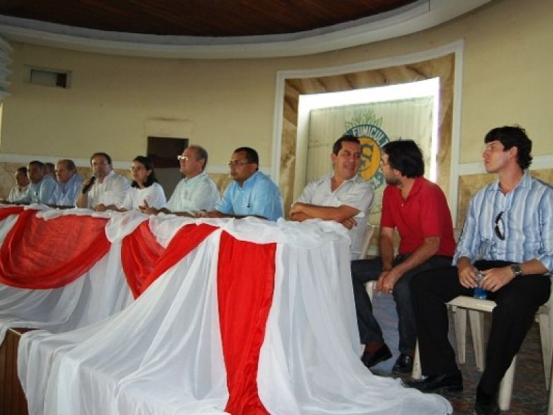 Renan participa de encontro em Arapiraca