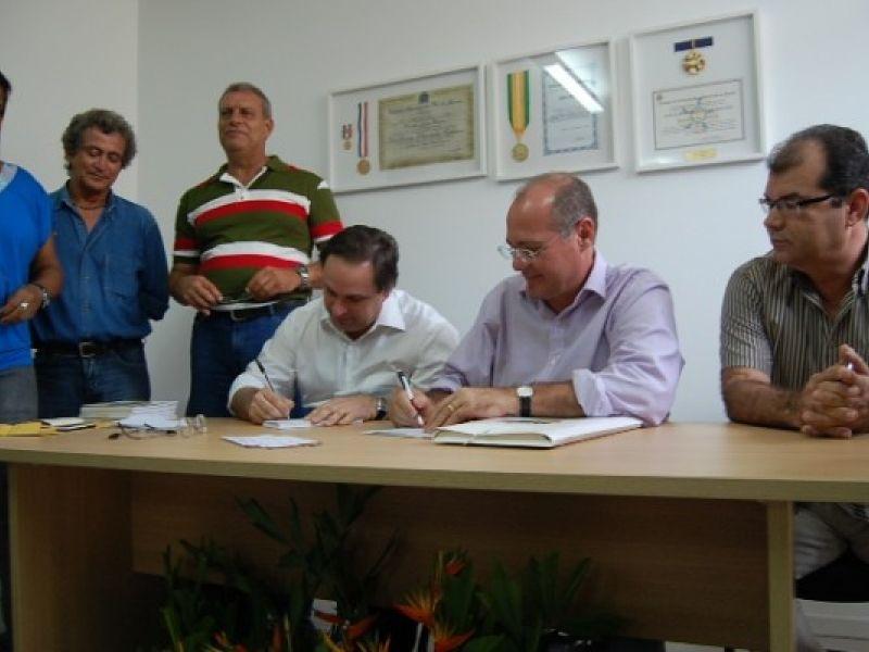 Sindicalistas filiam-se ao PMDB e defendem participação da classe