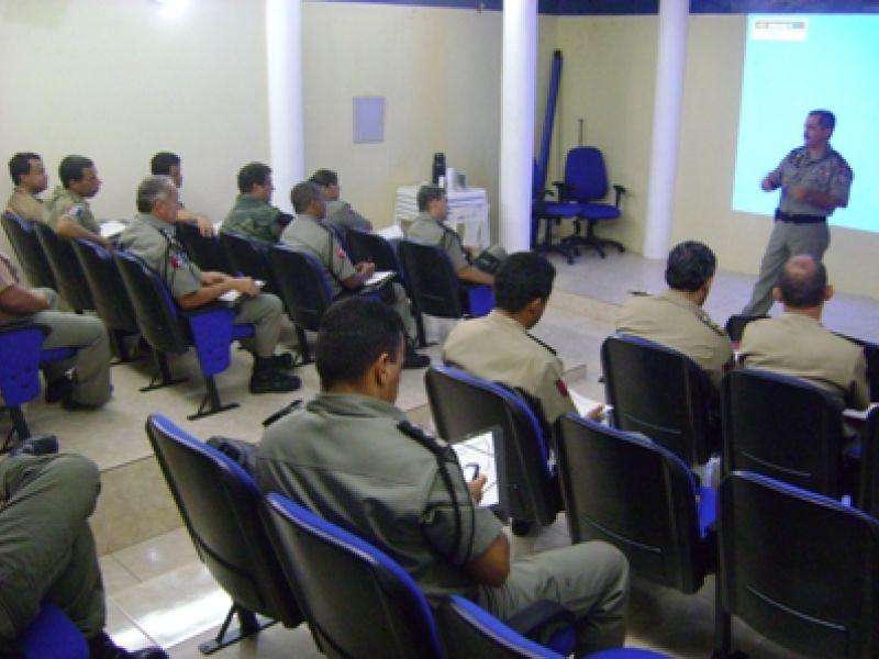 Comando de Policiamento do Interior discute metas para 2011