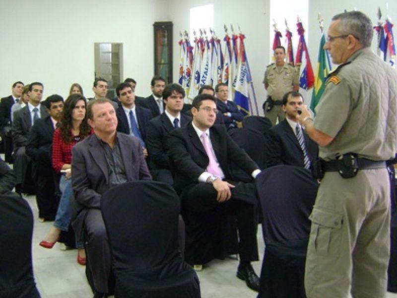 Juízes do Curso de Formação para Magistrados visitam Quartel da PM