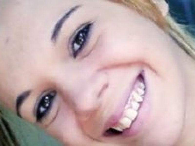 """Adolescente é procurada acusada de matar irmã de 15 anos em """"brincadeira"""""""