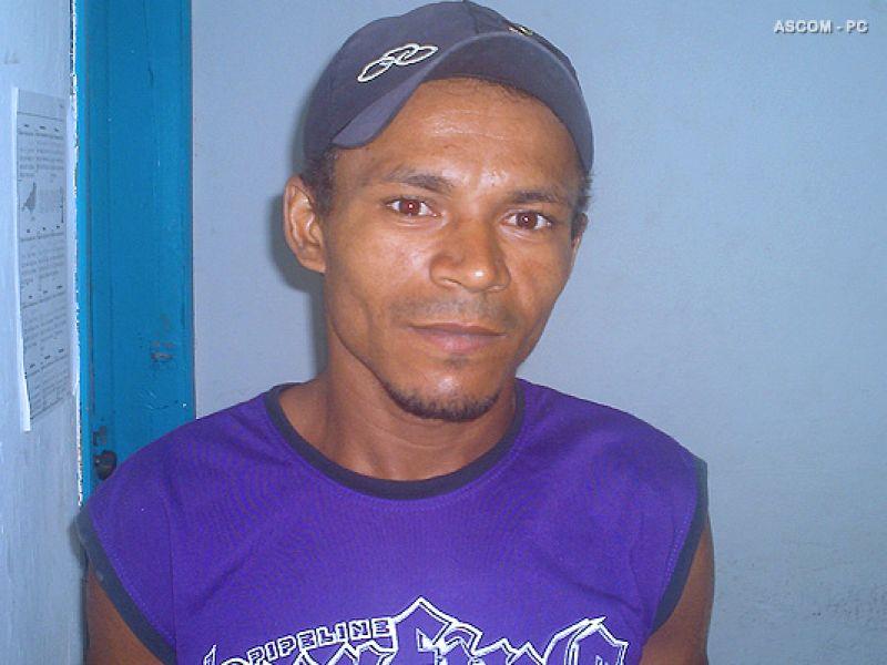 Preso padrasto acusado de estuprar e engravidar enteada