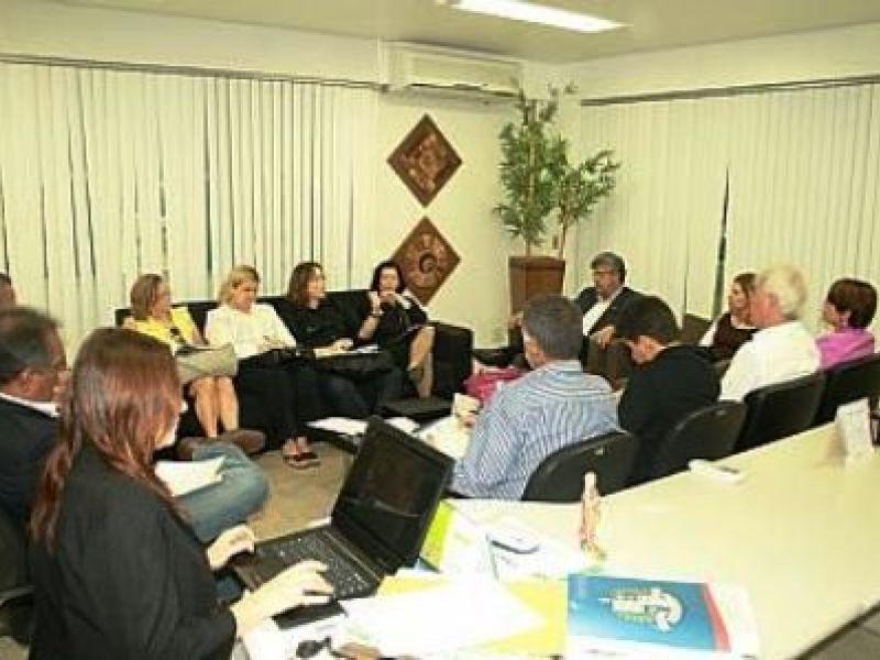 MPE investiga uso políticio no socorro às vítimas das enchentes