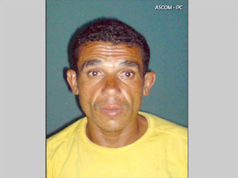 PC prende suspeito de assassinar e queimar o próprio pai