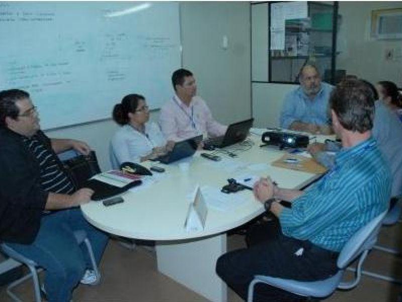 Técnicos debatem perfil do atendimento no HGE