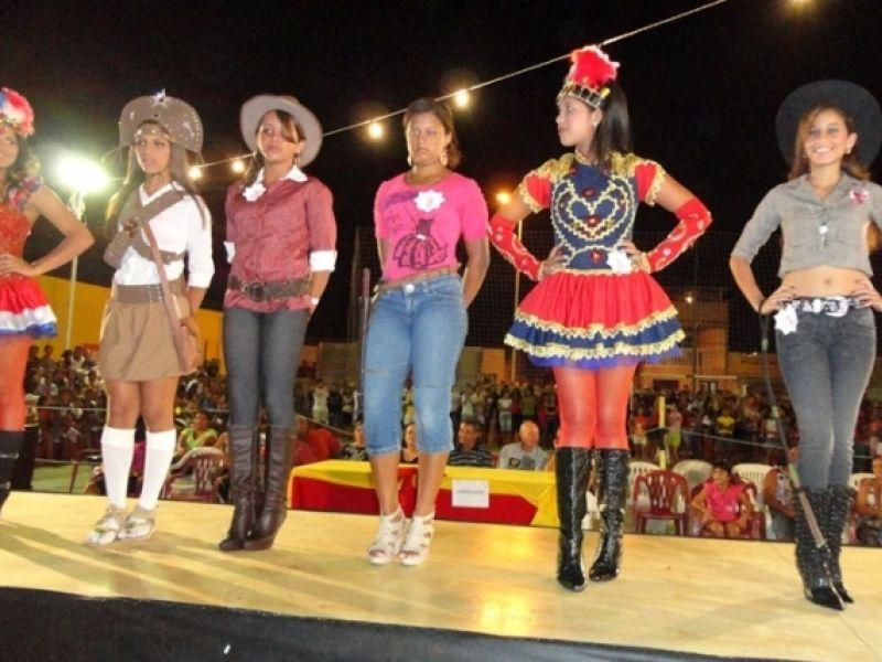 Estudantes disputam o título de 'Garota Ecovela 2011'