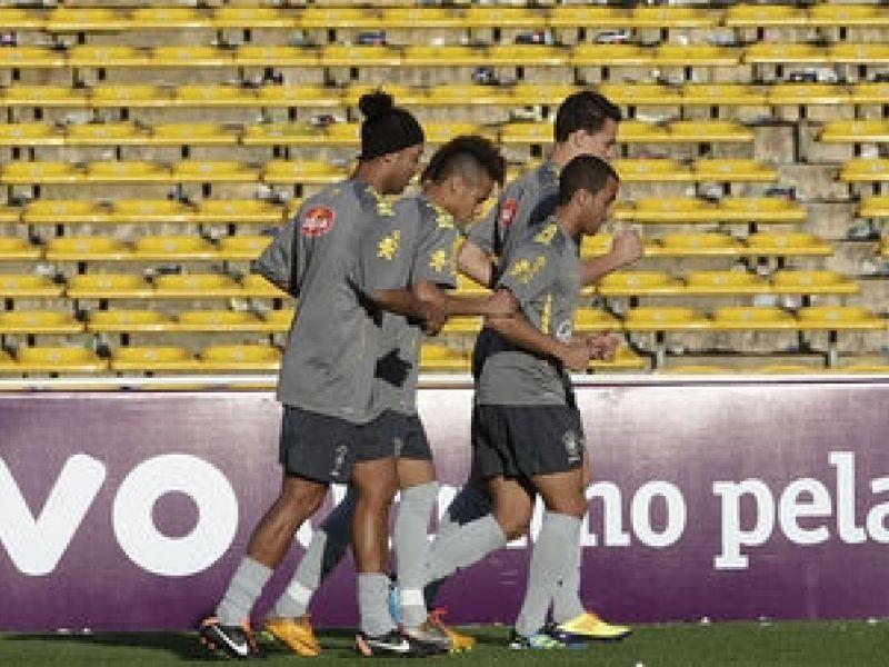 Brasil deve jogar com trio talentoso e ofensivo contra a Argentina