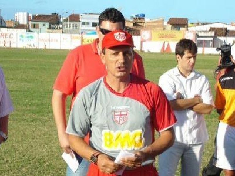 Diretoria do CRB não perdeu tempo e contratou um novo técnico: Paulo Comelli