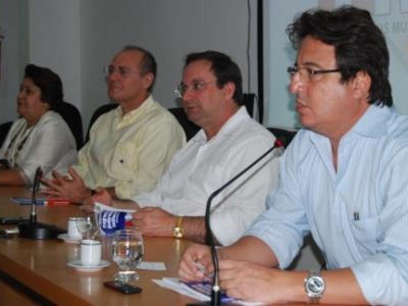 Presidente da Funasa fala do PAC para prefeitos