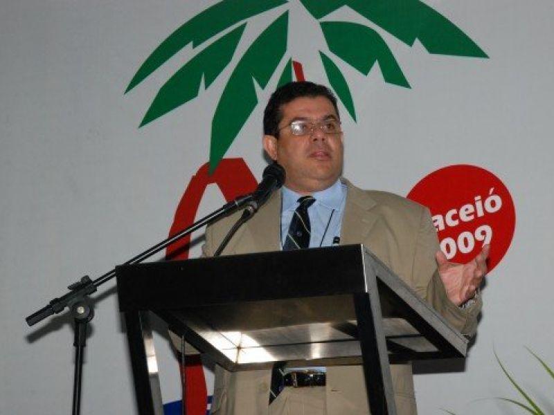 Alagoano é eleito presidente da Sociedade Brasileira de Angiologia