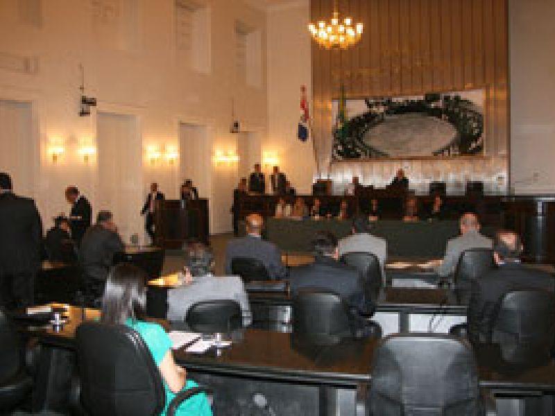 Deputados cobram atualização do Regimento Interno