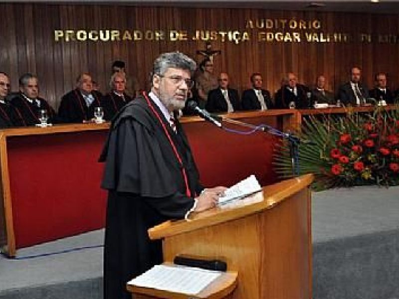 Eduardo Tavares toma posse como procurador de Justiça