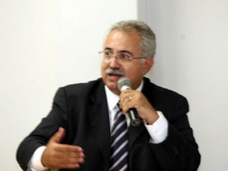Governo apresenta perfil da nova Educação a prefeitos
