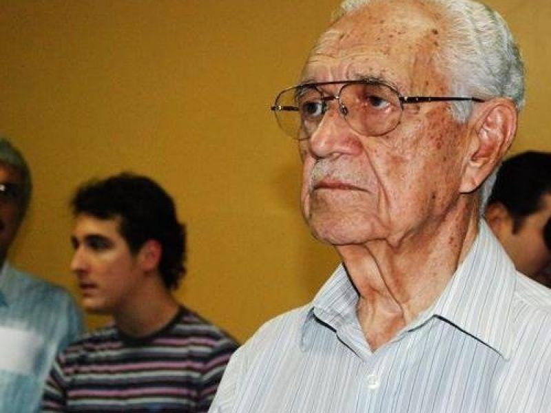 Homenagem a Dr. Hélio Lopes