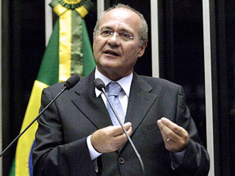 Renan pede compromisso pela aprovação do piso dos policiais ainda em 2010