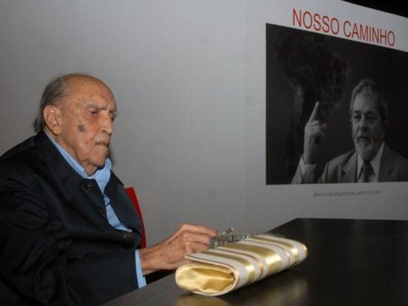Niemeyer permanece no CTI sem previsão de alta