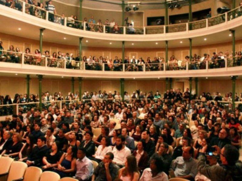 Teatro Deodoro reabre ao público