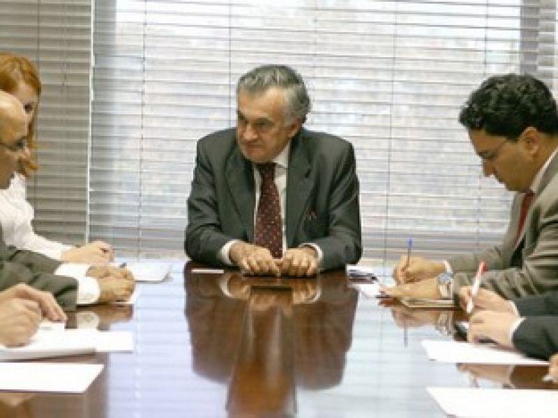 Juca Ferreira discute parcerias culturais com a Índia