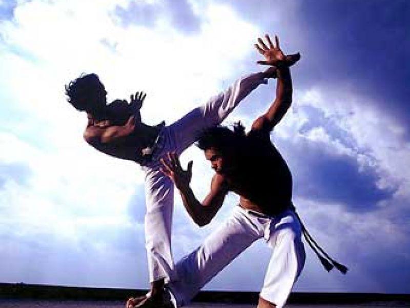Capoeiristas precisam de ajuda para participar de campeonato